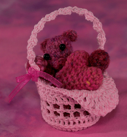 A bear and heart in a basket for Maria