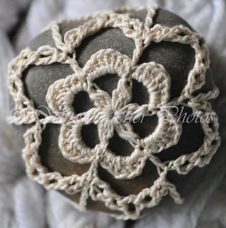 D-Stitch Snowflake Rock