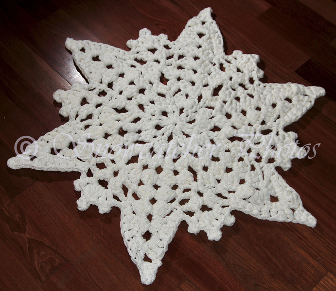 Ice Mountain Snowflake Rug