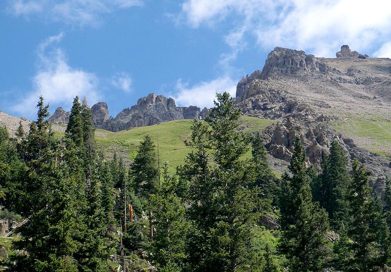 Shooting up toward Teakettle Mountain (13,819 ft, rank #98)